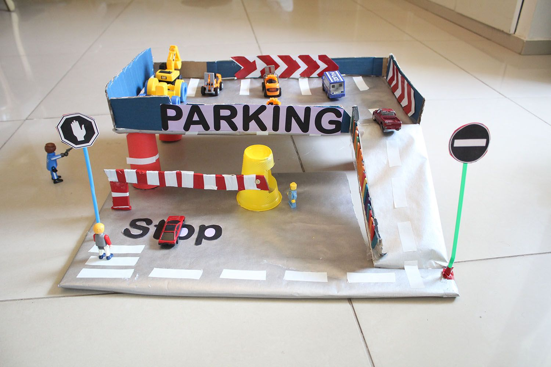 IMG 4368 - מוסך מכוניות מקרטון