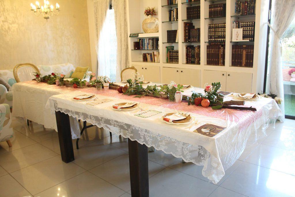 IMG 4841 1024x683 - עריכת שולחן ראש השנה