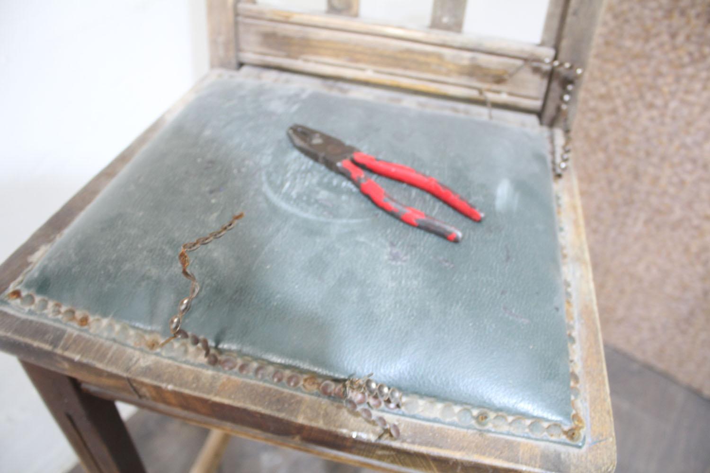 IMG 4860 - שיפוץ כסאות בר ישנים