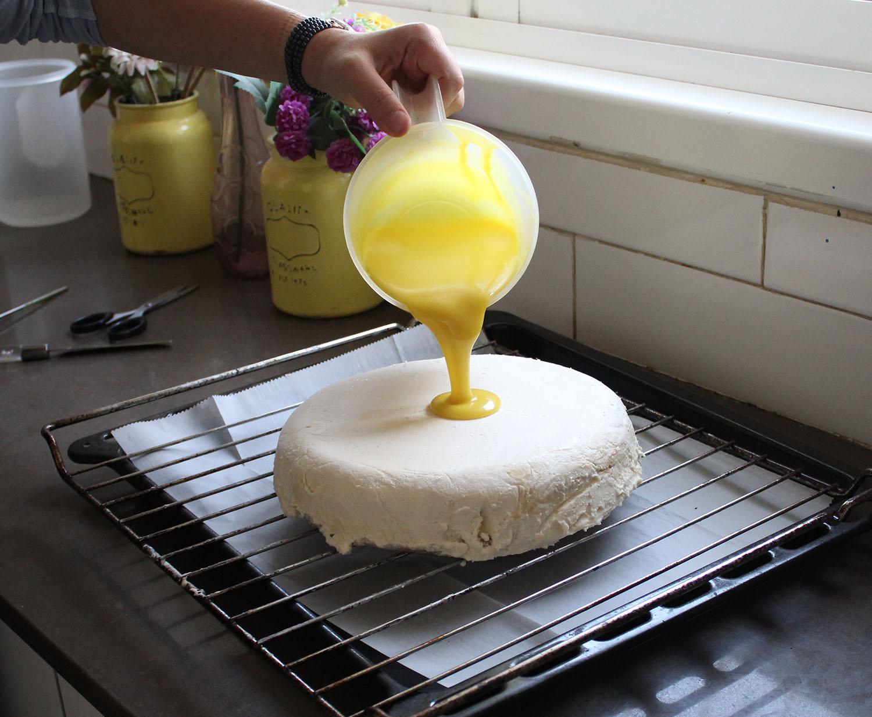 IMG 4608 1 - עוגת שכבות אננס ושוקולד לבן