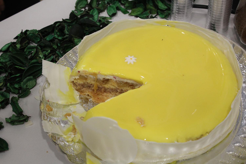 IMG 4657 - עוגת שכבות אננס ושוקולד לבן