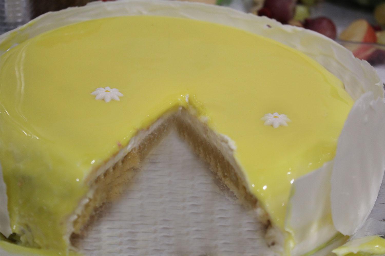 IMG 4659 - עוגת שכבות אננס ושוקולד לבן