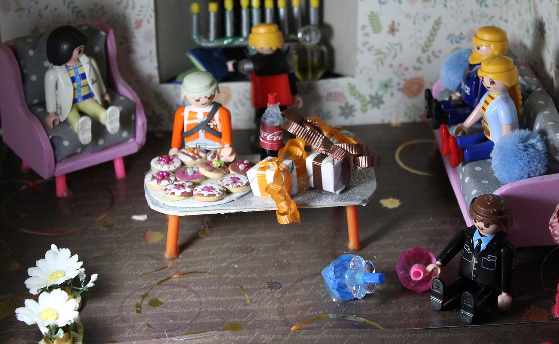 IMG 5922 - מיניאטורה: ערב לביבות בסלון