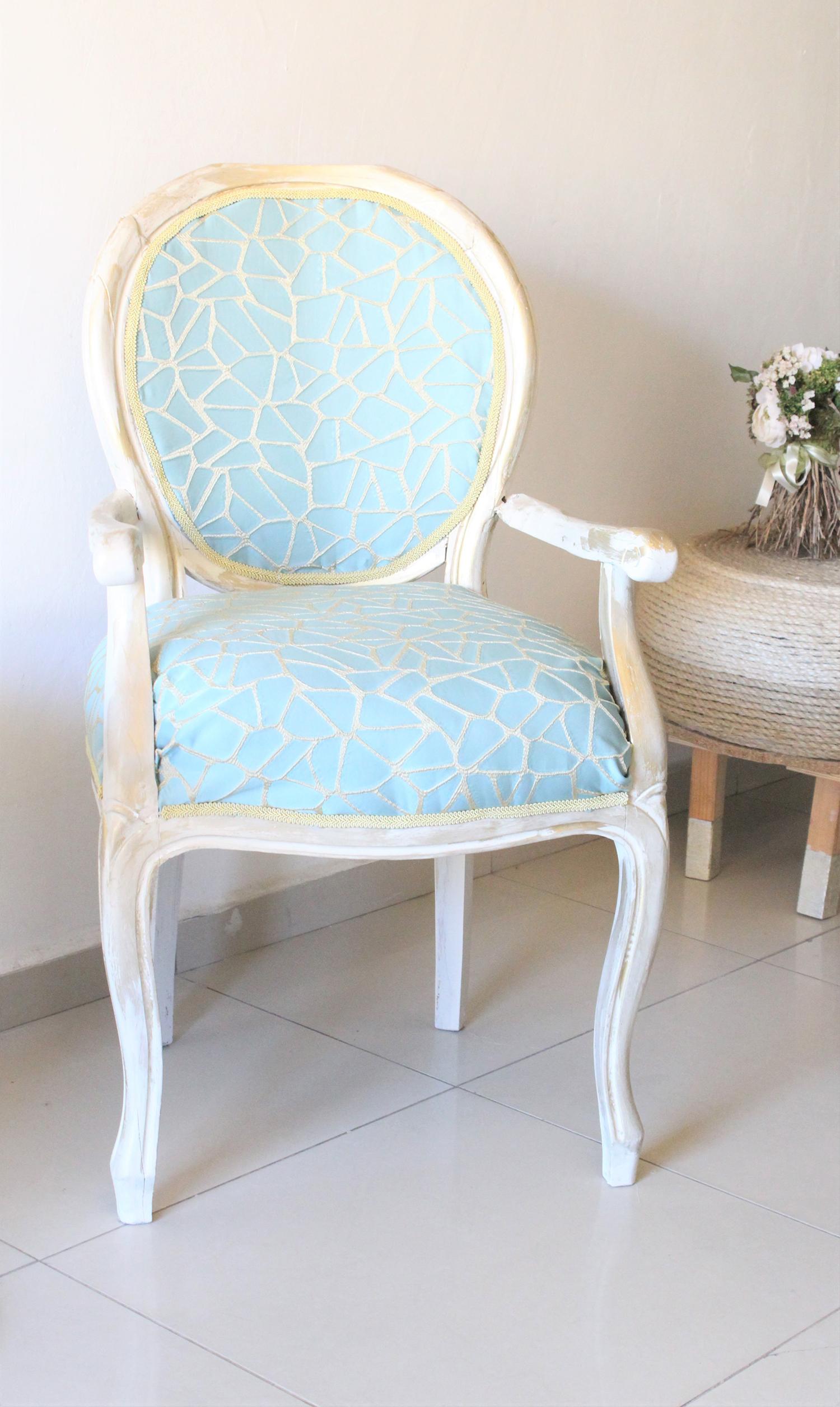 IMG 7419 - חידוש מחודש של שני כסאות