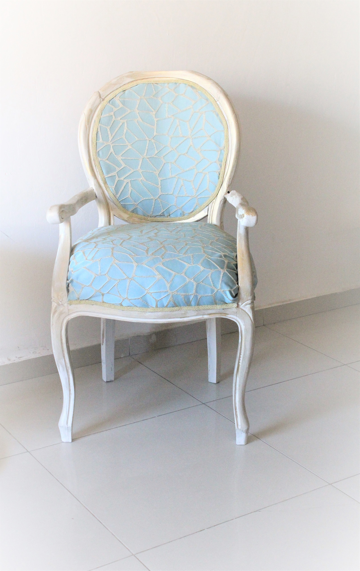 IMG 7425 - חידוש מחודש של שני כסאות