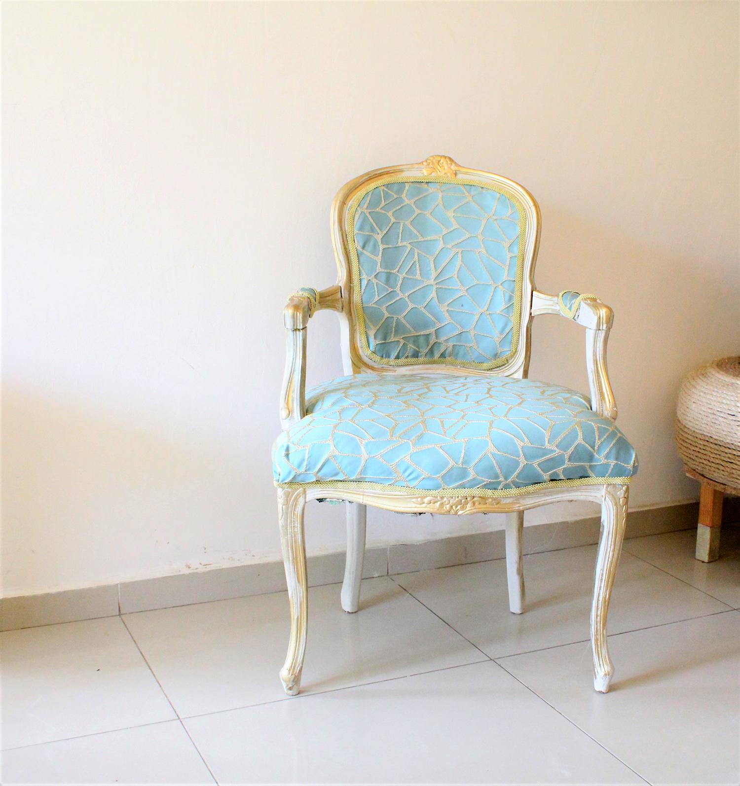 IMG 7453 - חידוש מחודש של שני כסאות