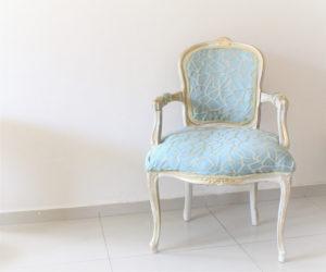 IMG 7456 1 300x250 - חידוש מחודש של שני כסאות