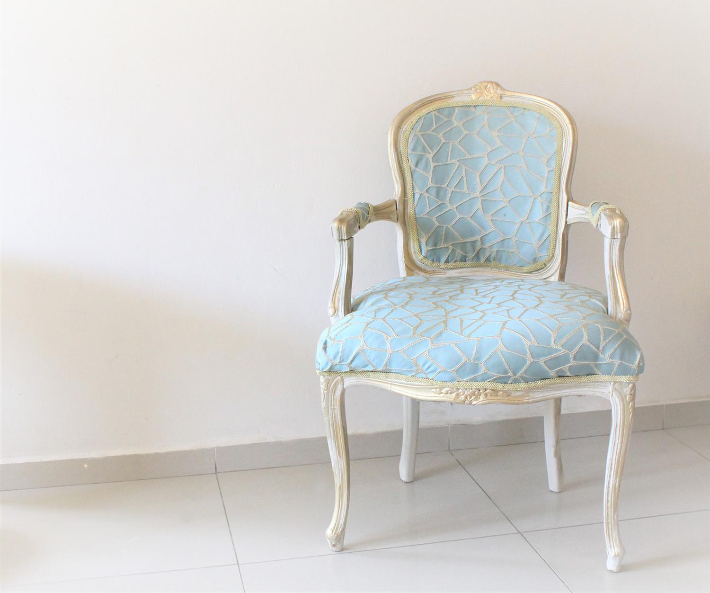 IMG 7456 1 - חידוש מחודש של שני כסאות