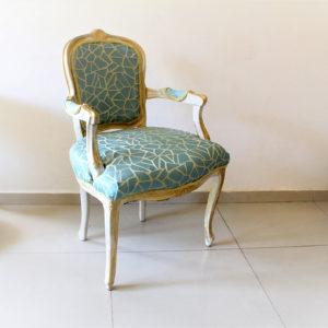IMG 7458 300x300 - כסא מלכותי זהב תכלת-דוגמא