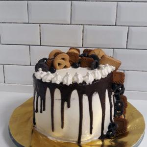 20191017 194933 300x300 - עוגת יומולדת ממתקים