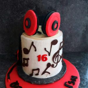 20191117 080149 300x300 - עוגת מוסיקה
