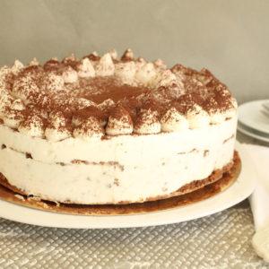 IMG 9737 300x300 - עוגת גבינה עשירה עם דבש ולוטוס