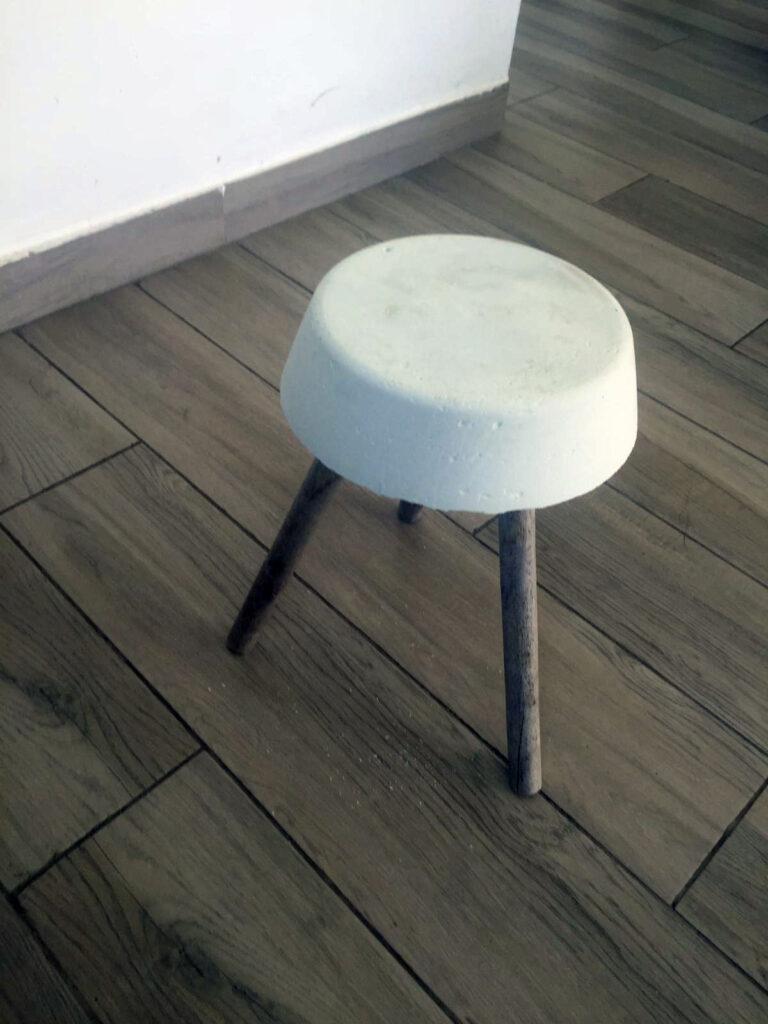 1 768x1024 - כסא בטון