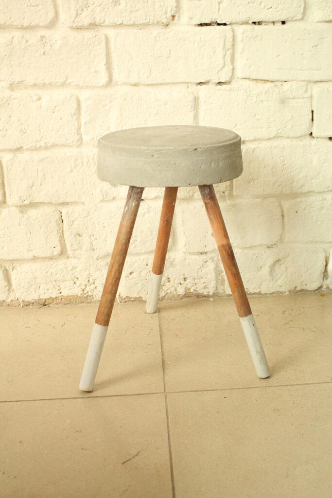IMG 0425 683x1024 - כסא בטון