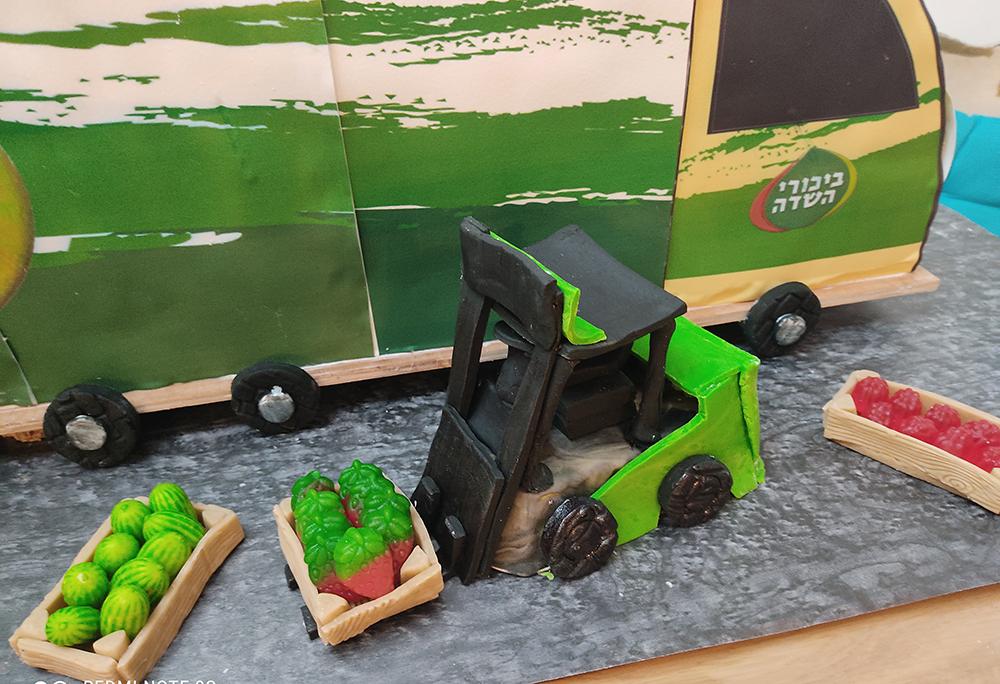 32 - איך בונים משאית גדולה אכילה?